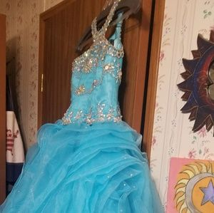 Beautiful blue pageant dress